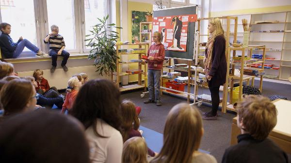 "Szenenbild aus ""Schule, Schule"" | Bild: RealFiction"