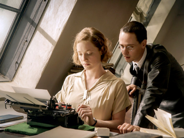 "Szenenbild aus ""Brecht"" | Bild: Filmwelt"