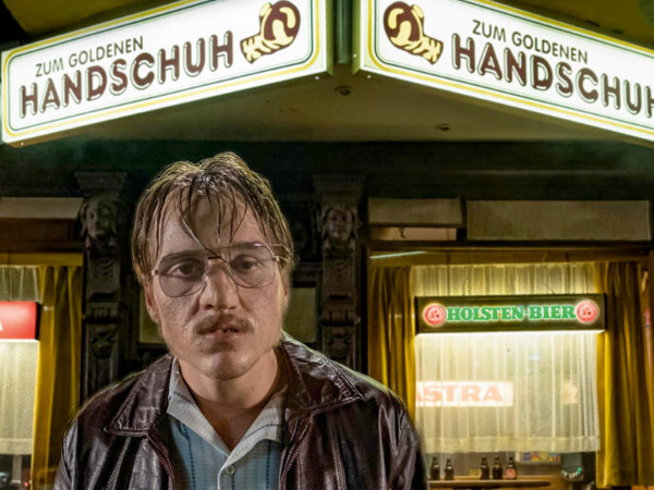 "Filmszene aus ""Der goldene Handschuh"" | Bild: Warner"