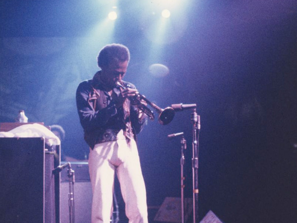 "Filmszene aus ""Miles Davis: Birth of the Cool"" 