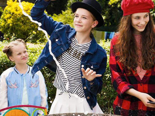 """Szenenbild aus """"Vier zauberhafte Schwestern""""   Bild: Disney"""